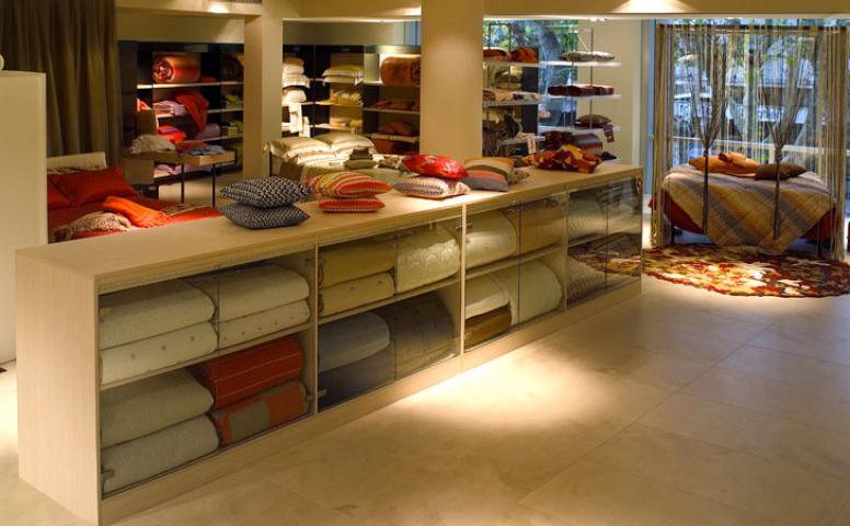 arredamento per negozi casalinghi cagliari sardegna ForSaba Arredamenti