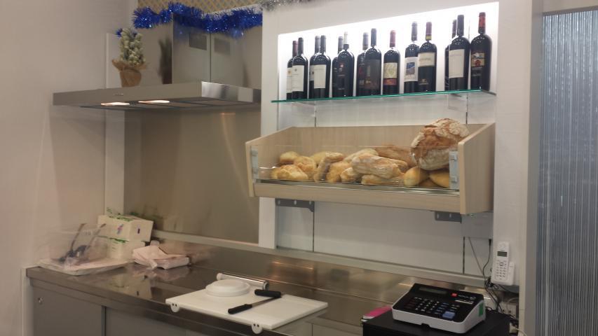 De gustibus gastronomia paninoteca cagliari saba arredamenti for Arredamento per paninoteca